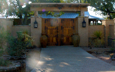 Custom Gates And Stucco Walls Weatherstone Homes